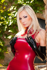 Latex Princess Susan Wayland 03