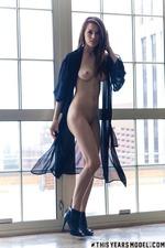 Sexy Babe Caitlin 09