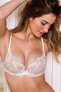 Lily Aldridge Sexy Celeb