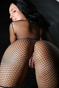 Blackhaired Hottie In Fishnet