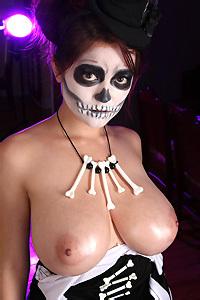 Tessa Fowler Voodoo Boobs