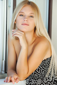 Beauty Blonde Babe Xena