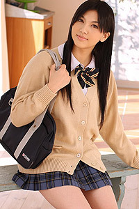 Cute Japanase Schoolgirl Saori Hara