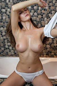 Loraine Sexy Drops