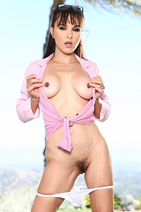 Sexy MILF Cytherea Gets Wet In Pink Shirt