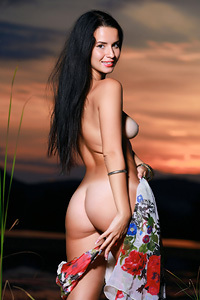 Black Haired Beauty Lola Marron In The Sunset