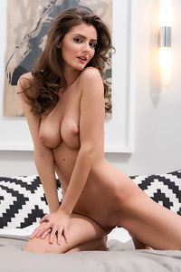 Sexy Hungarian Babe Fedra Poses Naked