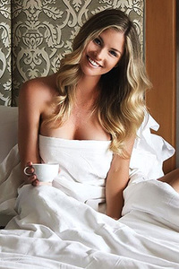 Carly Lauren Sexy And Glamour Celeb Babe