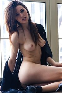 Sexy Babe Caitlin