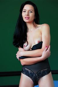 Ukrainian honey Aurelia Perez looks hotter than hot