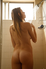 Gracie Thibble Takes A Hot Shower 00